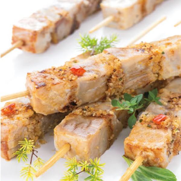 brochettes de thon au pain aromatique